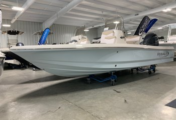 2021 Robalo 206 Cayman Ice Blue (ON ORDER) Boat