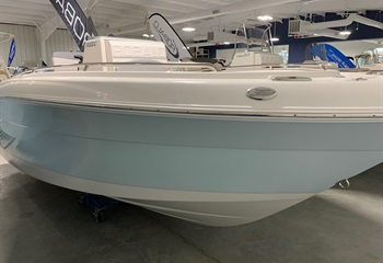 2020 Robalo R222 Ice Blue/White #W0146 liquid-unknown-field [type] Boat