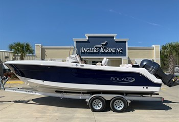 2020 Robalo R242 Biscayne Blue #B0157 Boat