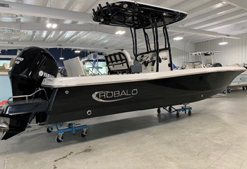 2021 Robalo 246 Cayman Deepwater Black (ON ORDER) Boat