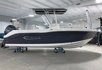 2021 Robalo R200 Shark Gray Boat