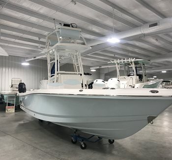 2019 Robalo R246 Cayman SD liquid-unknown-field [type] Boat