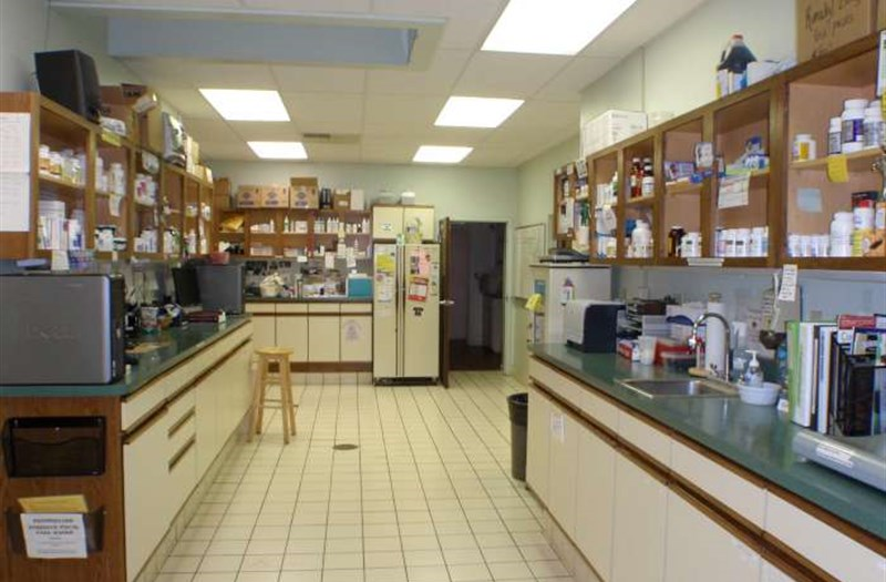 /Images/CoventryAnimalHospital/site/virtual/pharmacy/Coventry Pharmacy Picture.JPG